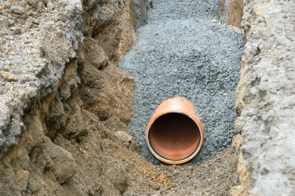 Guide to sewer pipes clay iron plastic and orangeburg for Plastic vs copper water pipes