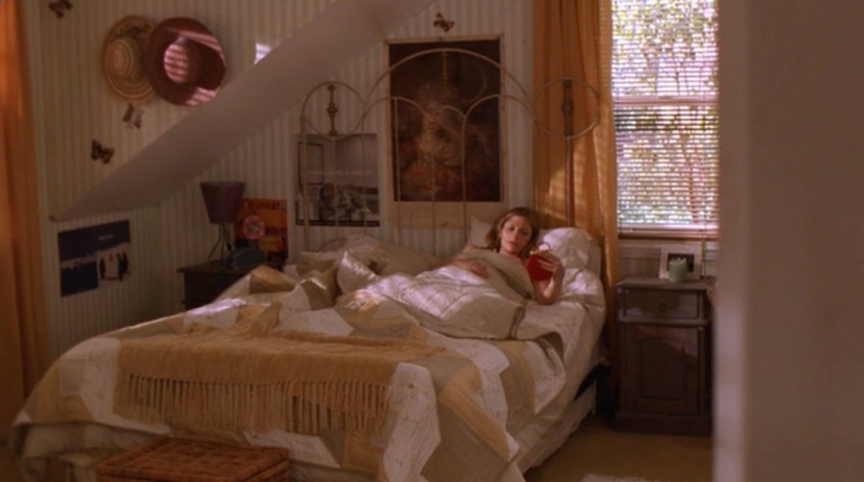 10 Best Bedrooms In Television Shows - Make-your-room-look-like-a-vampires-room