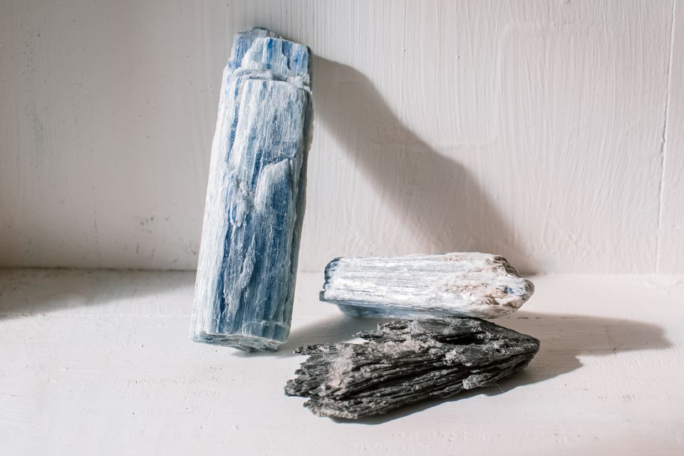 different colors of kyanite
