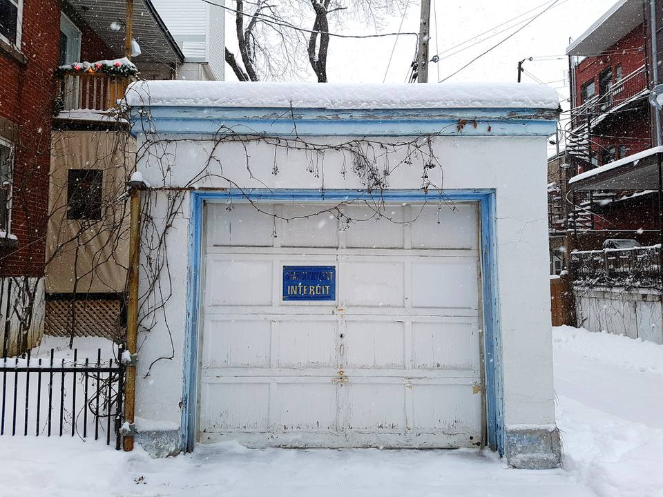 A small, decrepit garage