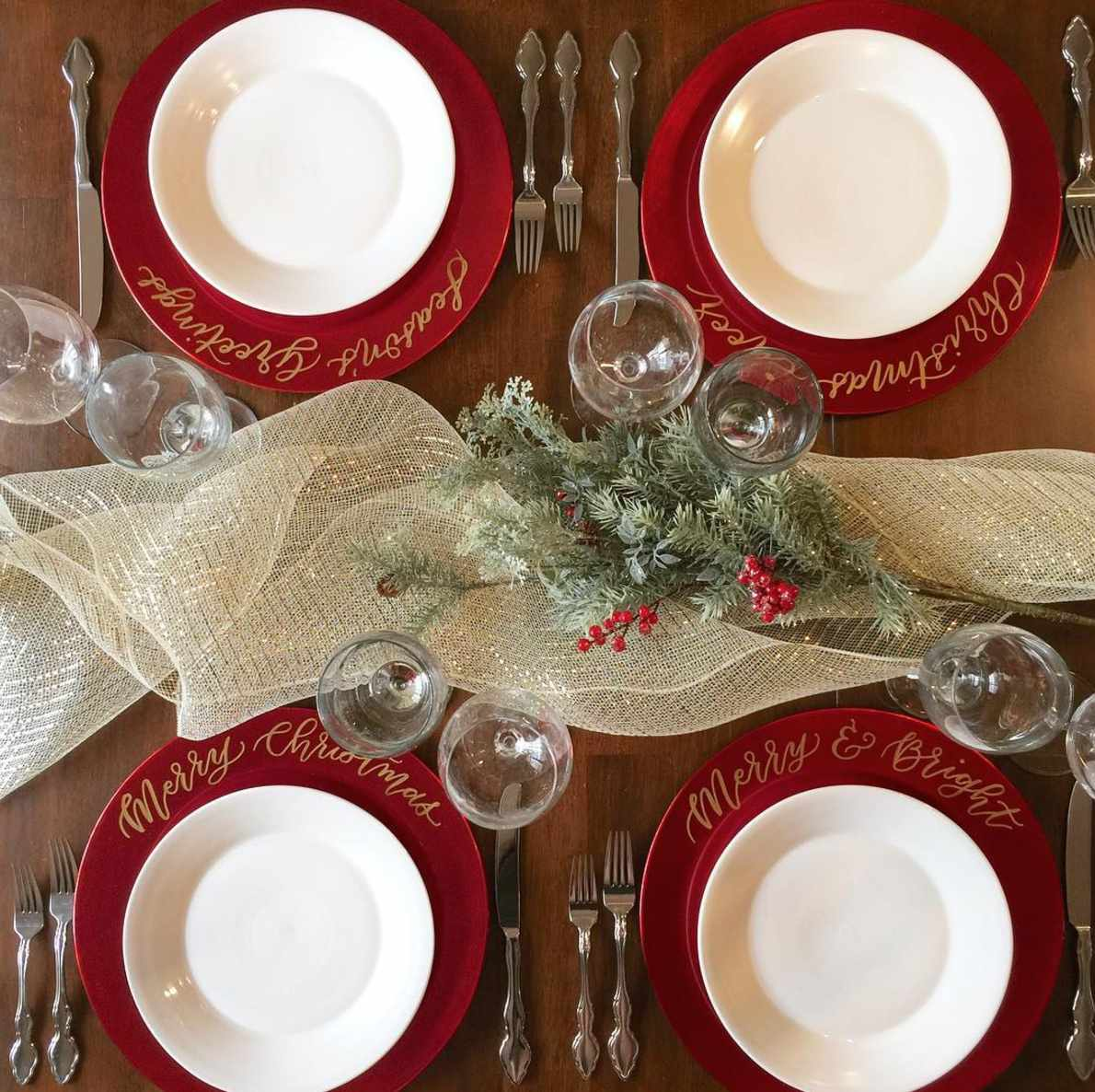 Fabulous 22 Pretty Christmas Table Decorations And Settings Download Free Architecture Designs Grimeyleaguecom