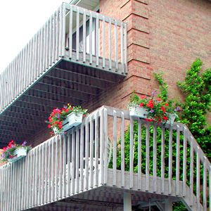 Deck Railing Styles and Installation