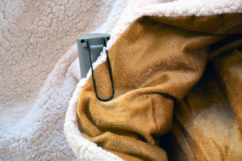 Sunbeam Reversible Sherpa/Royalmink Heated Throw
