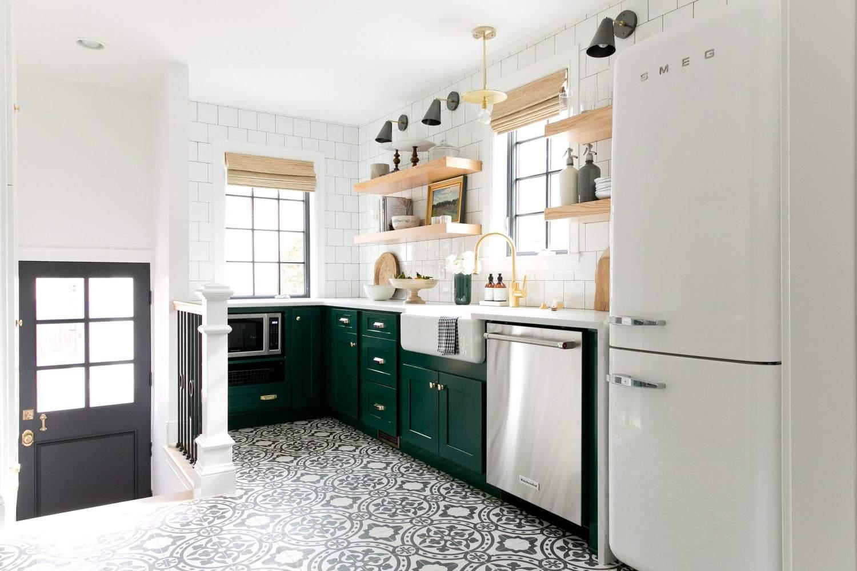 Rustic-Open-Shelving-Farmhouse-kitchen