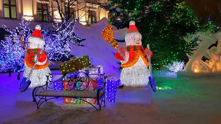 two wire snowmen lit up as christmas decorations - Wire Lighted Outdoor Christmas Decorations