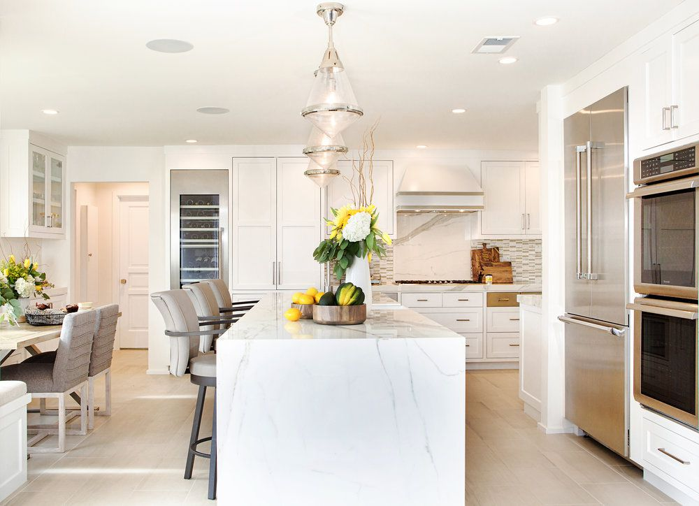 15 Gorgeous Kitchens With Waterfall Countertops