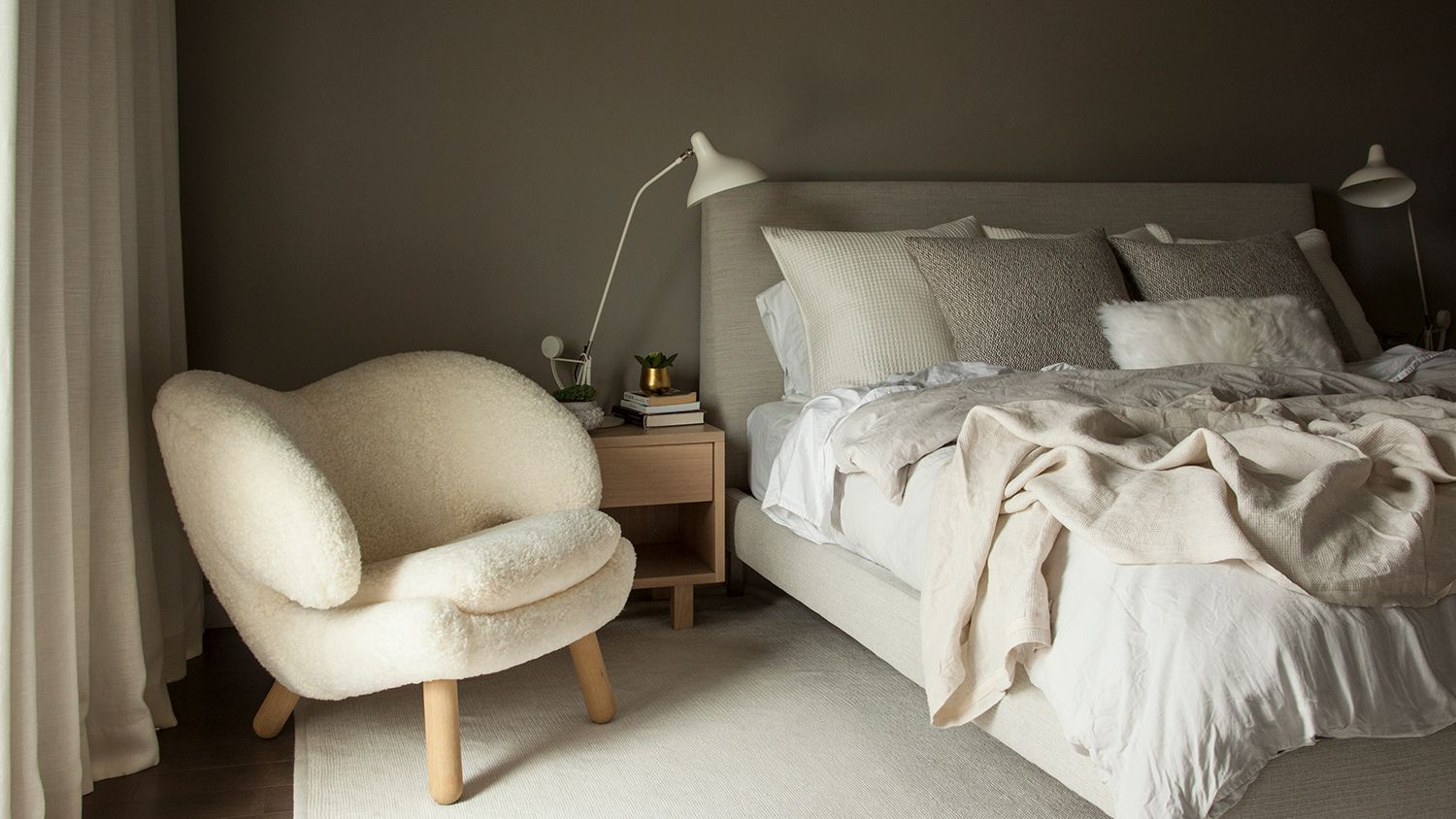 20 Cozy Bedroom Ideas to Make a Space More Homey