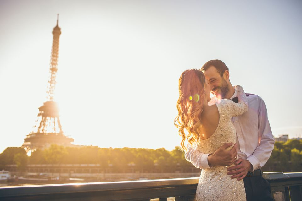 American newlyweds married in Paris