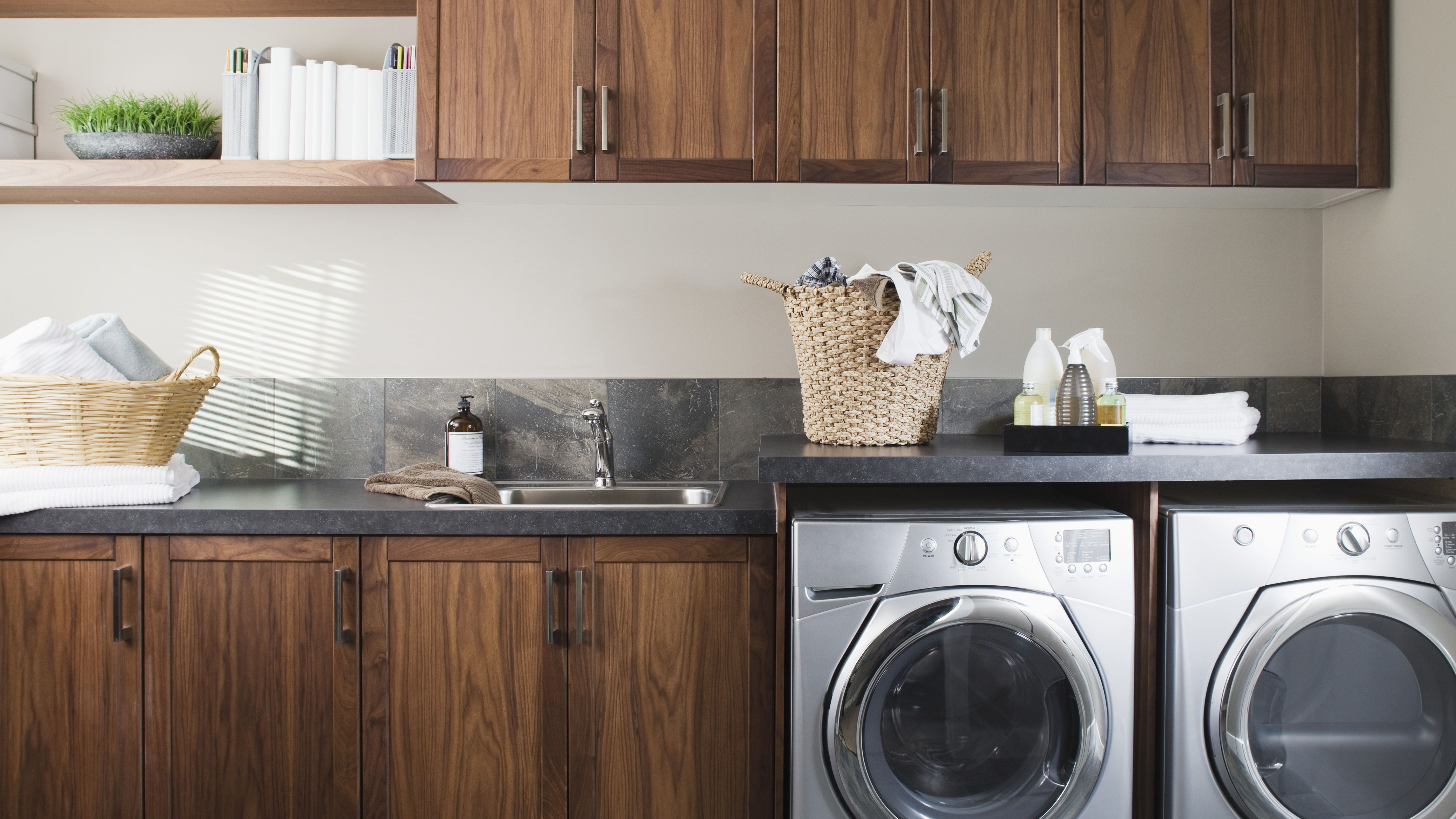 How To Choose A Laundry Room Sink
