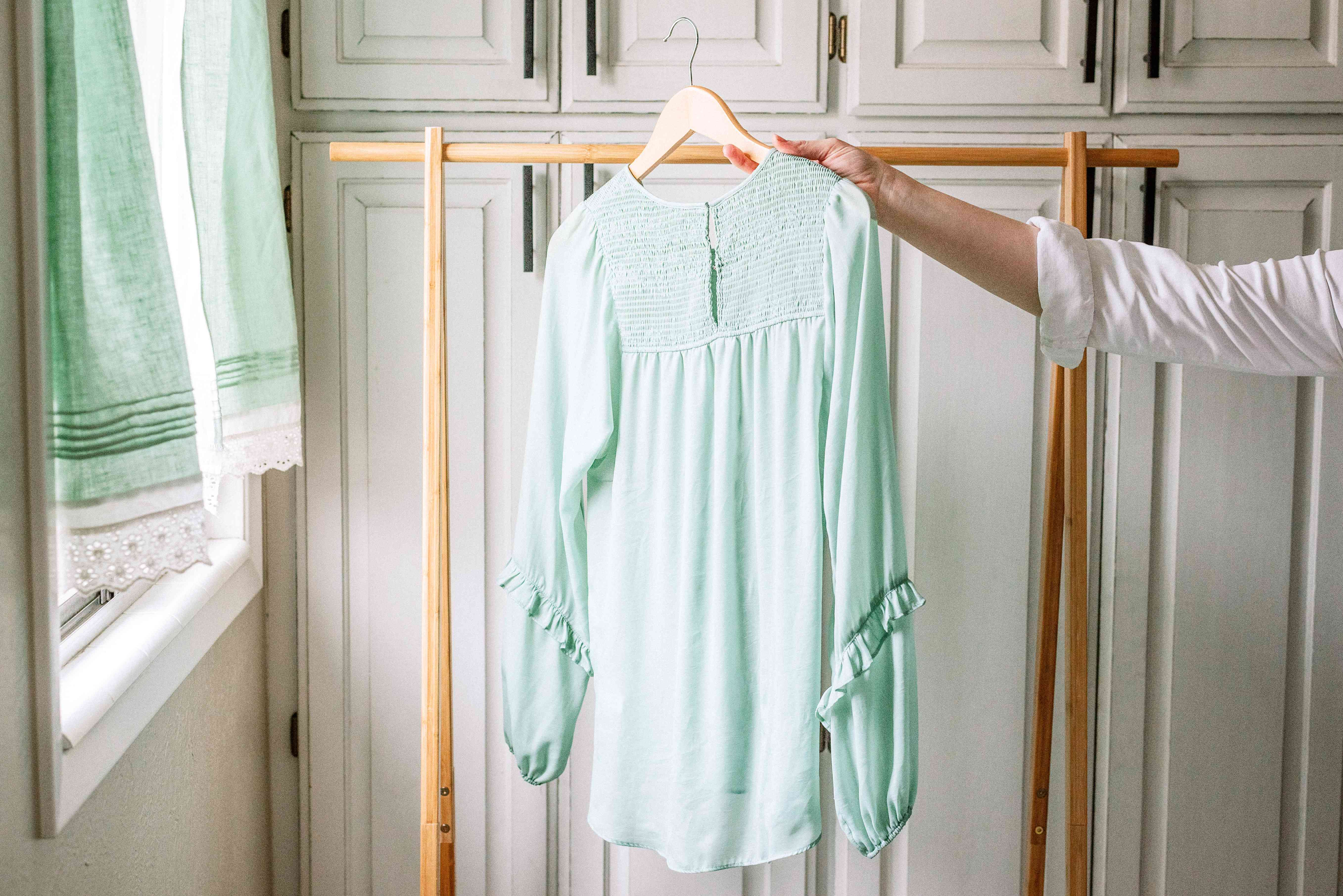 using an indoor drying rack for clothing