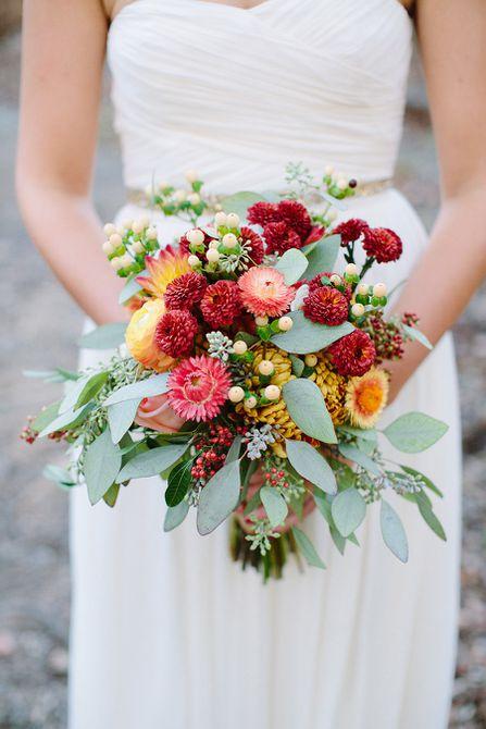 Bouquet de mamá roja, amarilla y naranja