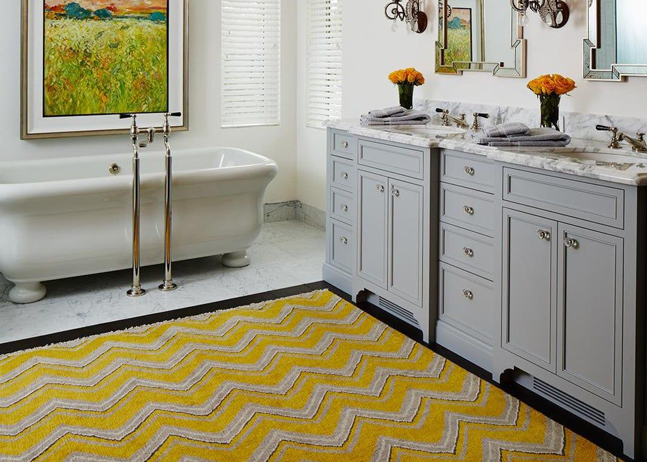 yellow rug with gray cabinets