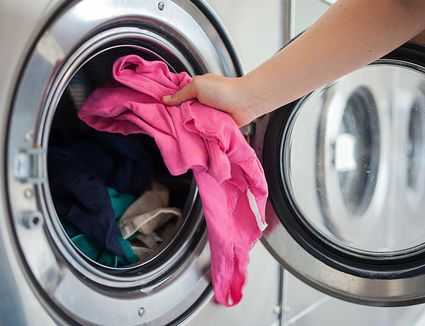 5 Reasons To Use Hydrogen Peroxide For Laundry