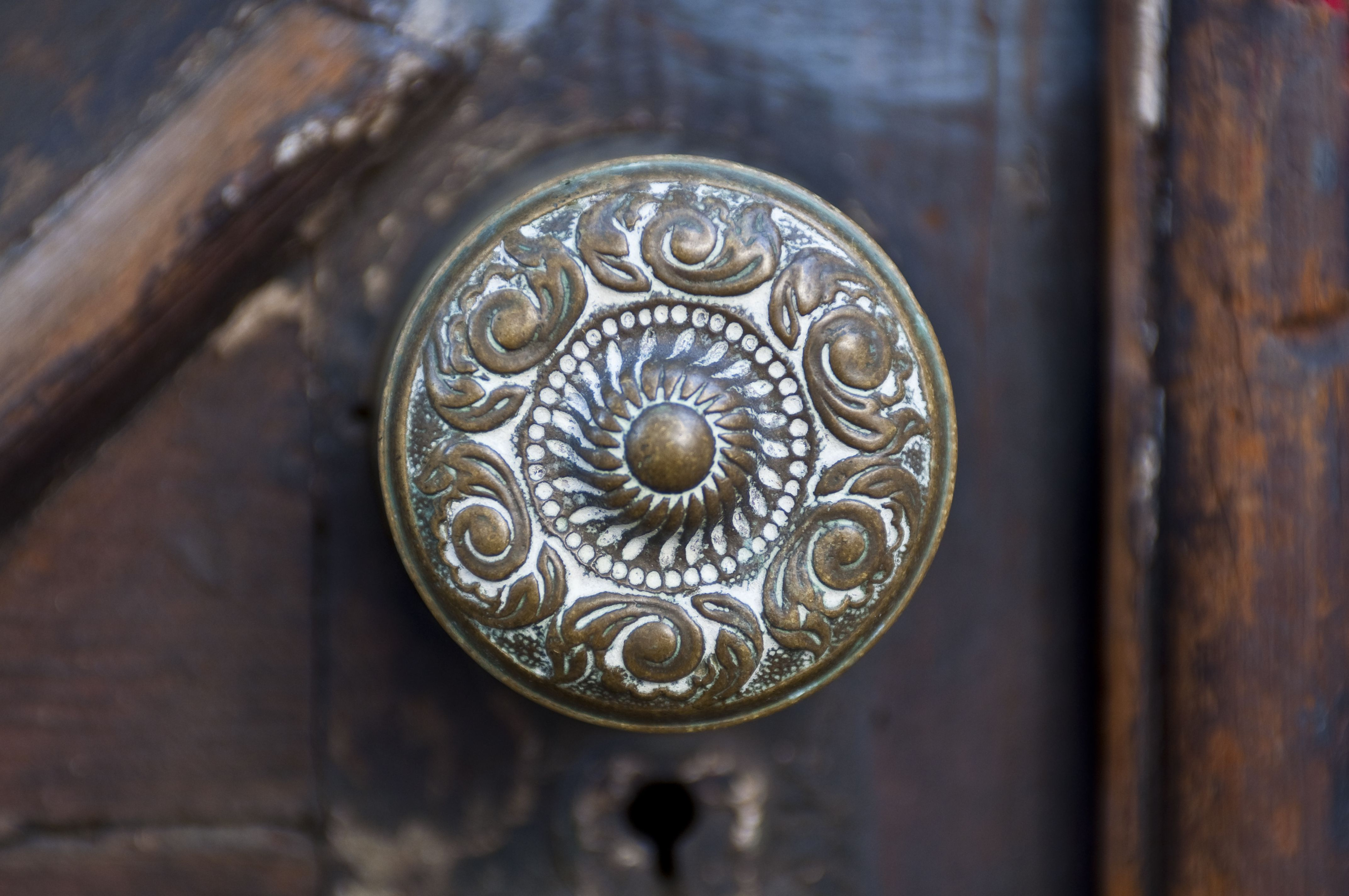 close-up view of antique brass door knob