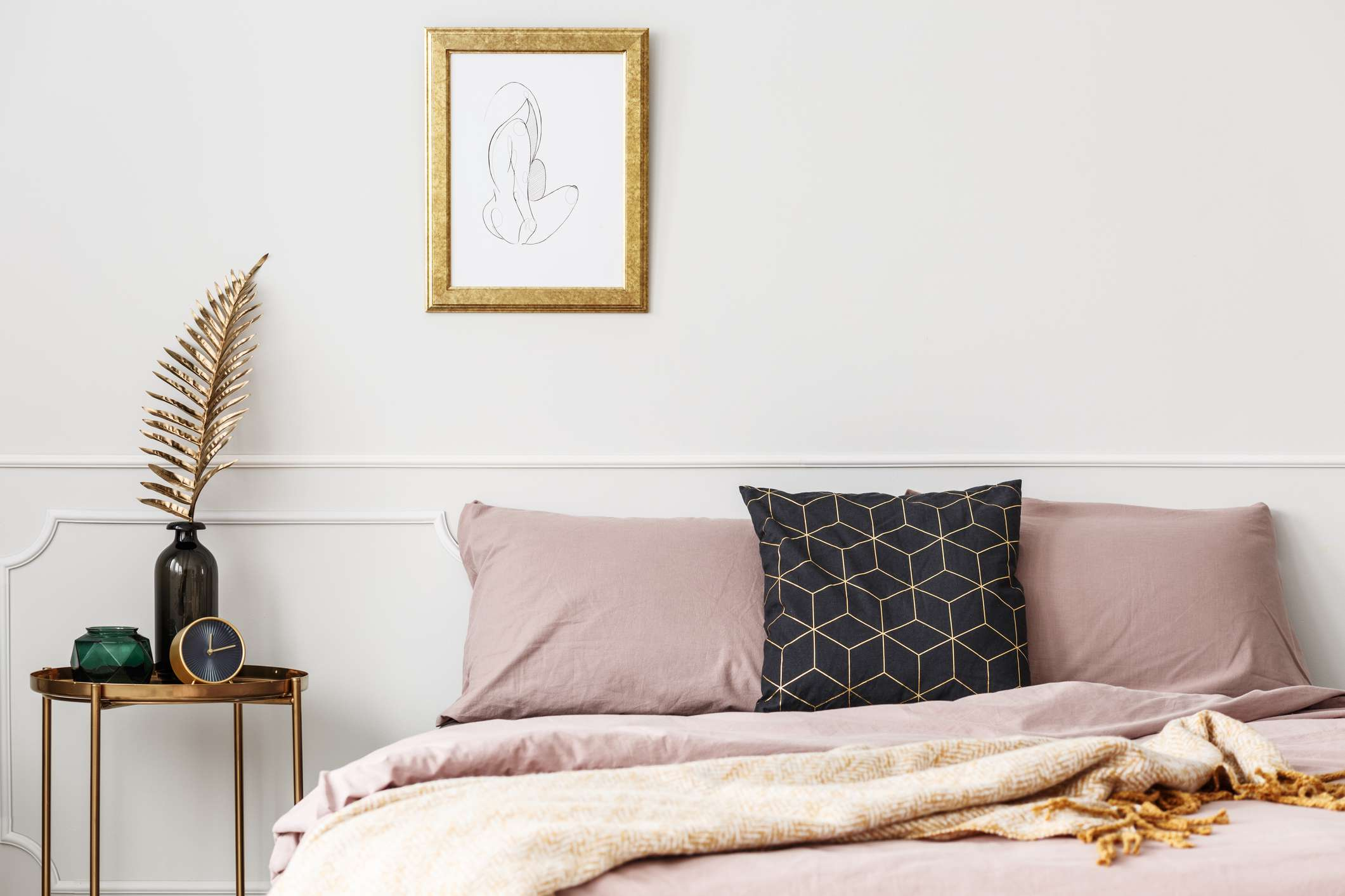 bedroom with pink bedding