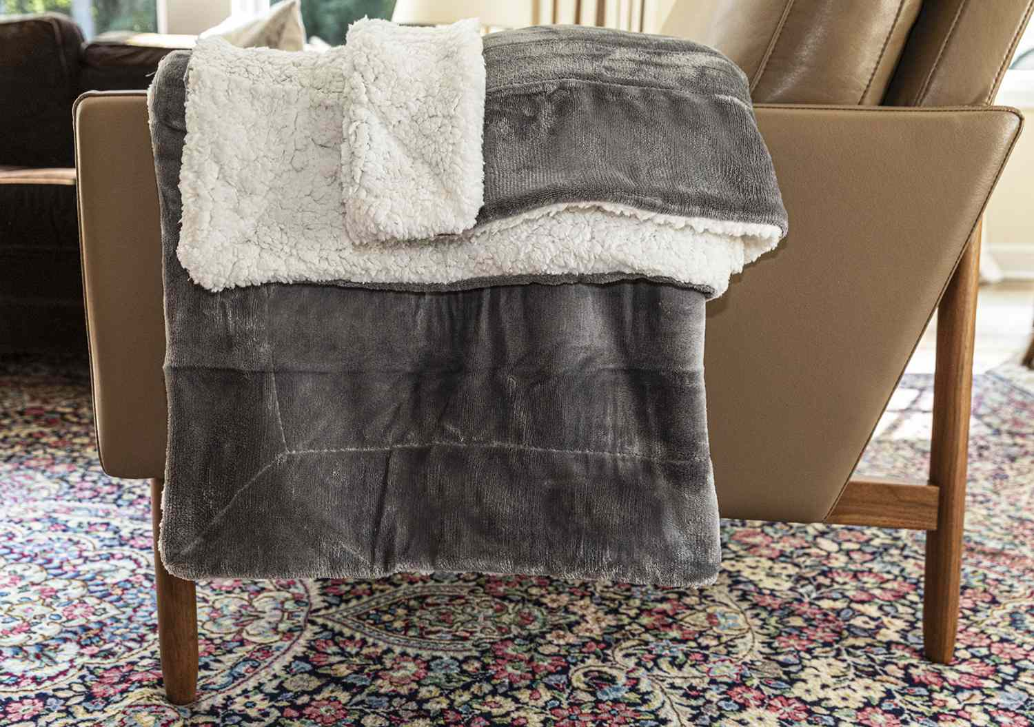 The 8 Best Throw Blankets of 2020