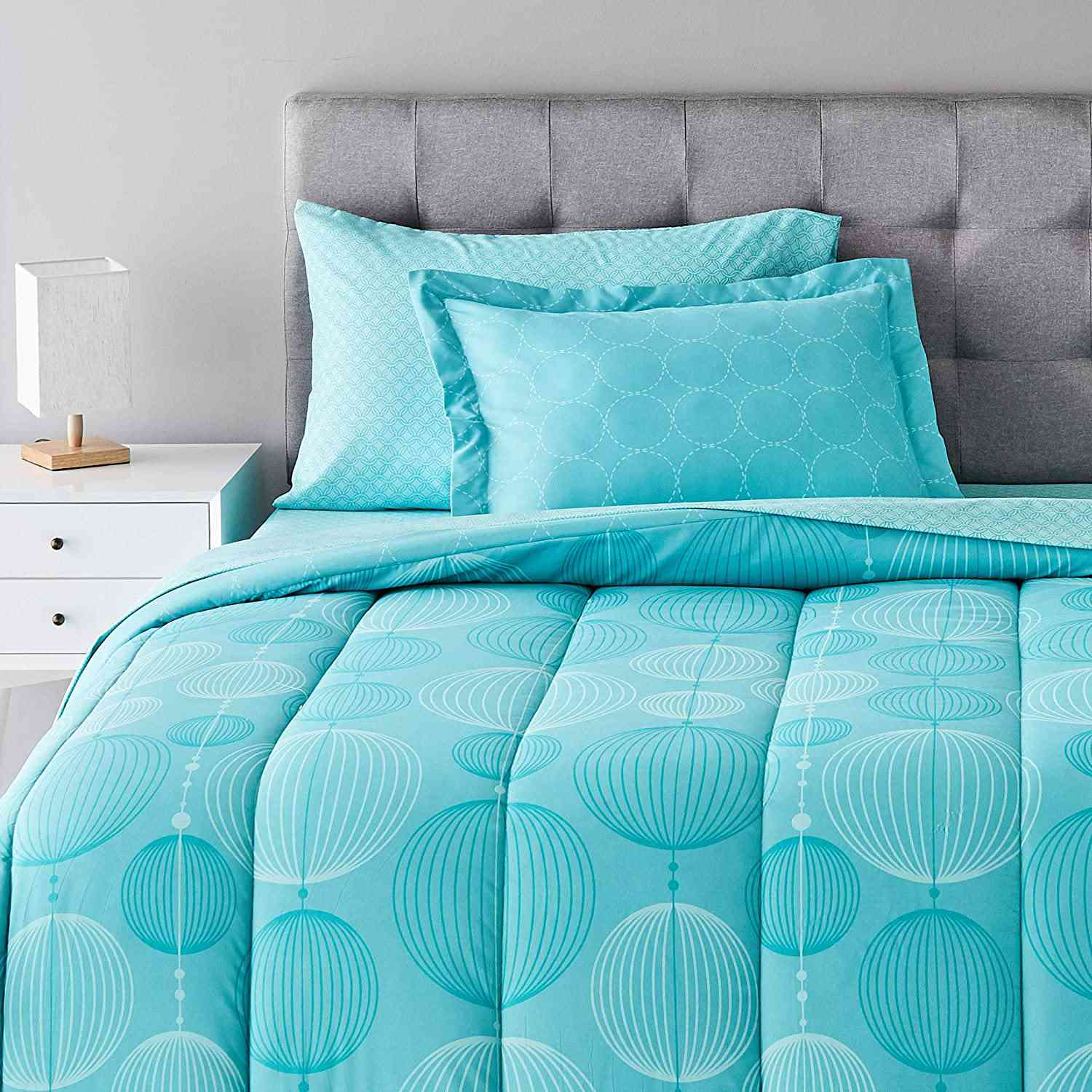 AmazonBasics 5-Piece Bed-In-A-Bag Comforter Bedding Set