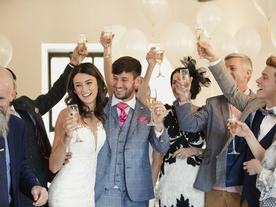 The Who What When Why And How Of Wedding Toasts