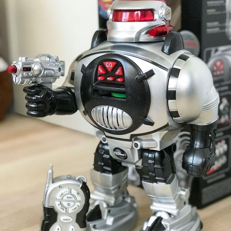 RoboShooter Robot Toy