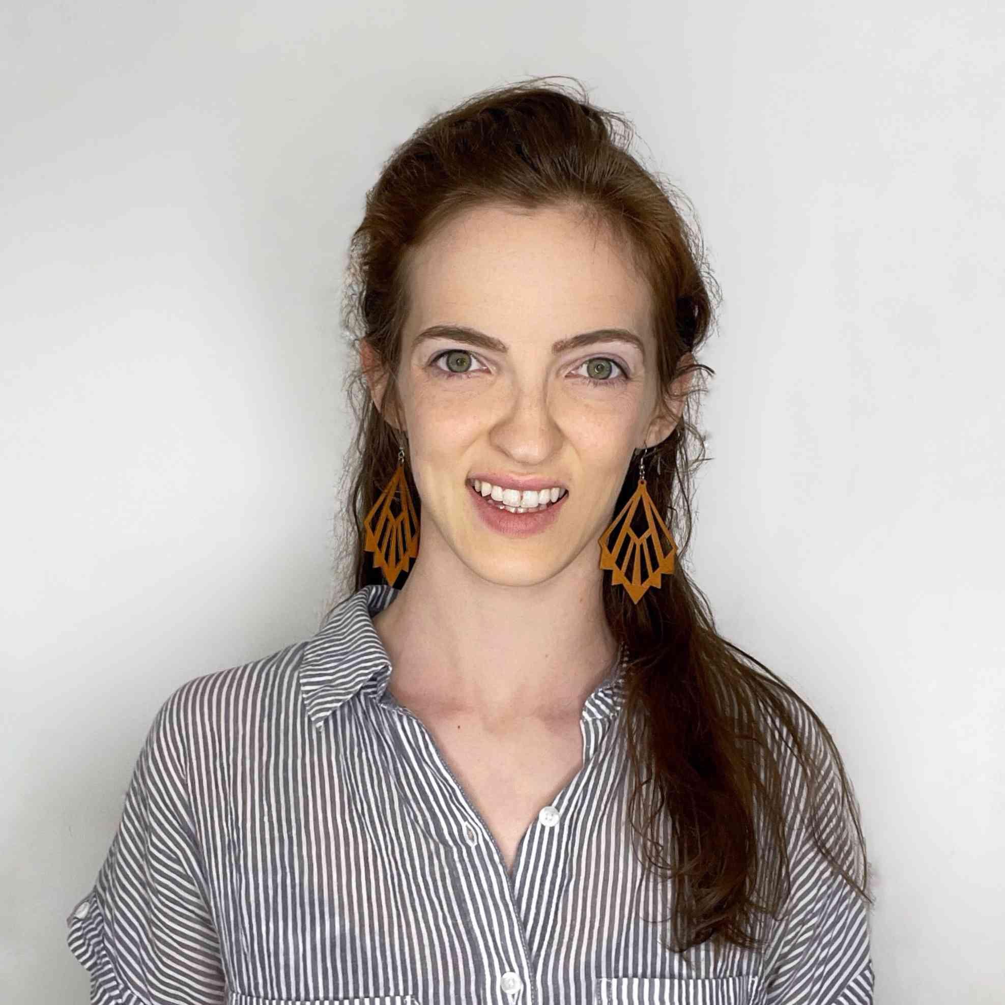 Jenny Hughes headshot