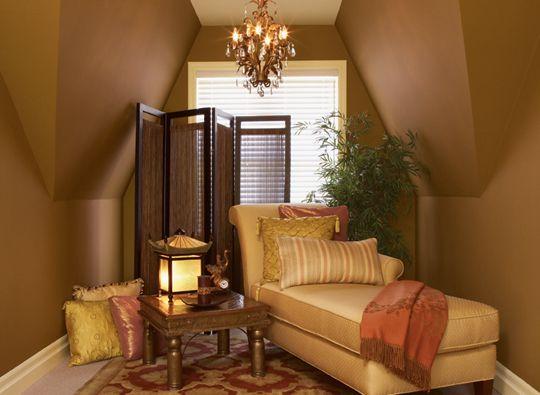 sala de gamuza color marrón
