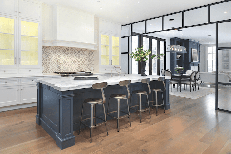 cocina moderna azul y blanca