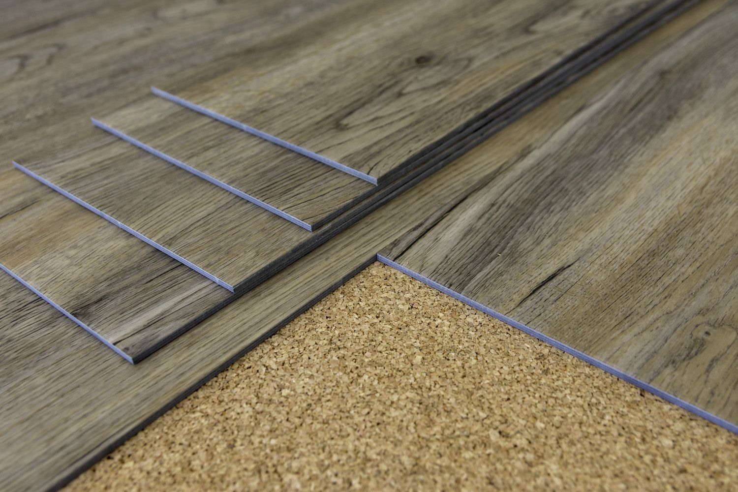 Vinyl Vs Laminate Flooring Comparison Guide What S The Difference