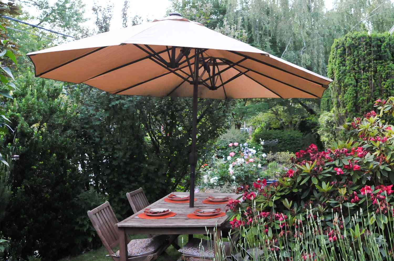 599c38b589e3 The 8 Best Outdoor Patio Umbrellas of 2019