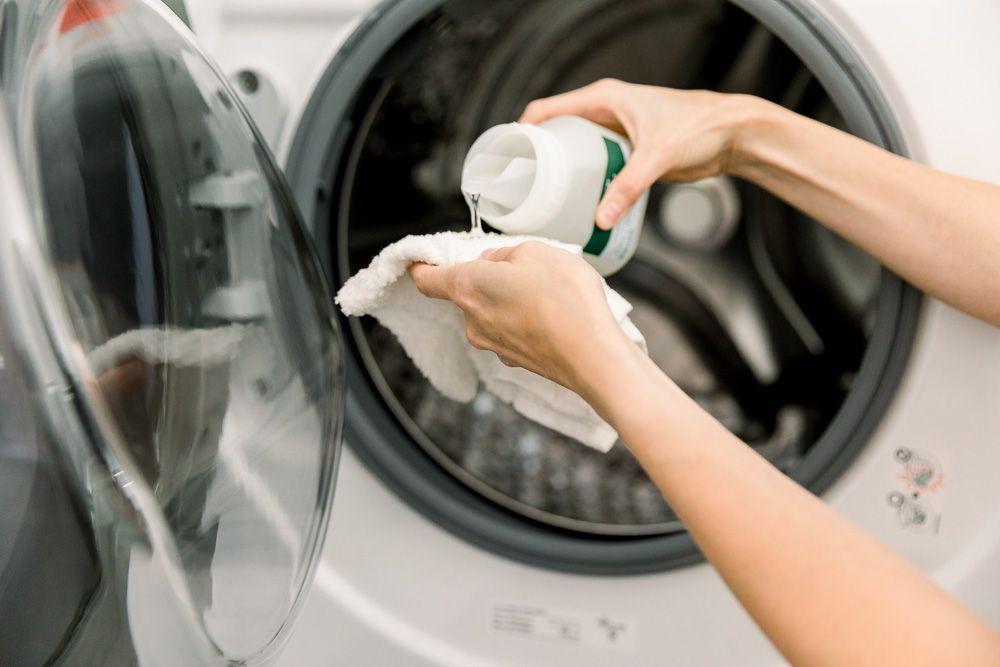 using detergent on washer drum