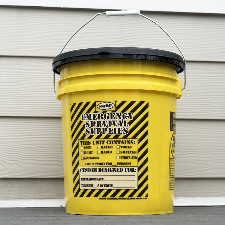 Mayday 13040 Deluxe Emergency Honey Bucket Kit