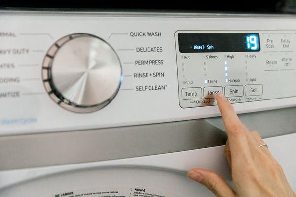 selecting washing temperature
