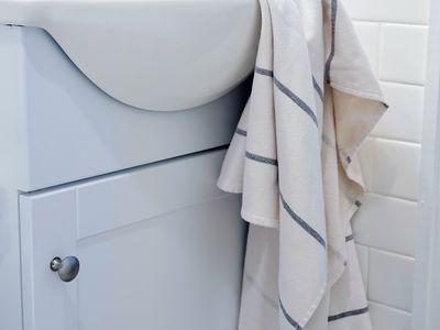 Parachute Fouta Stripe Towels