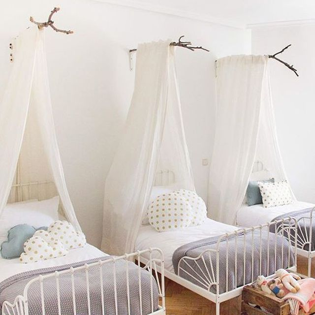 21 Great Ideas for a Canopy Bed in a Girl