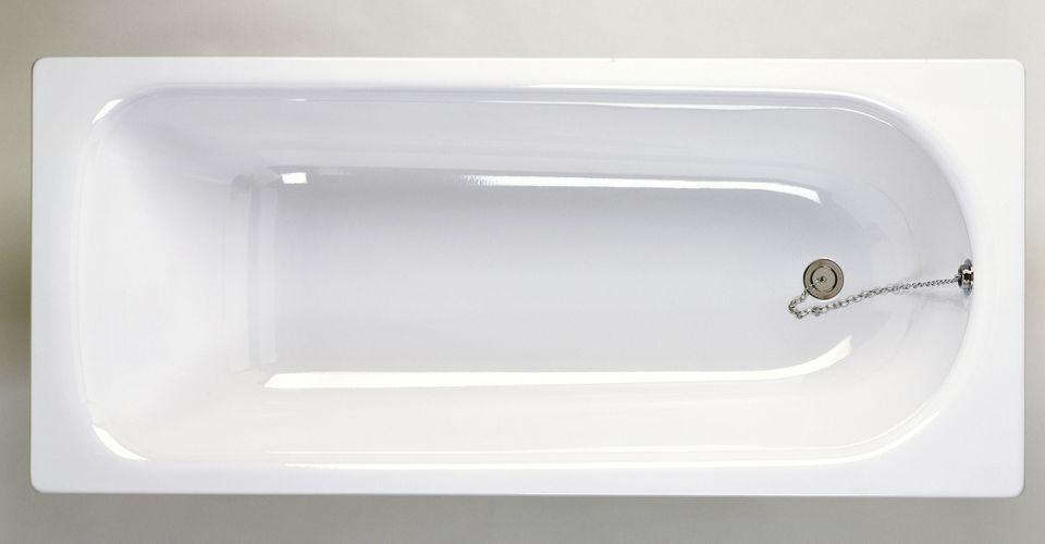 Newly Finished Shiny Bathtub