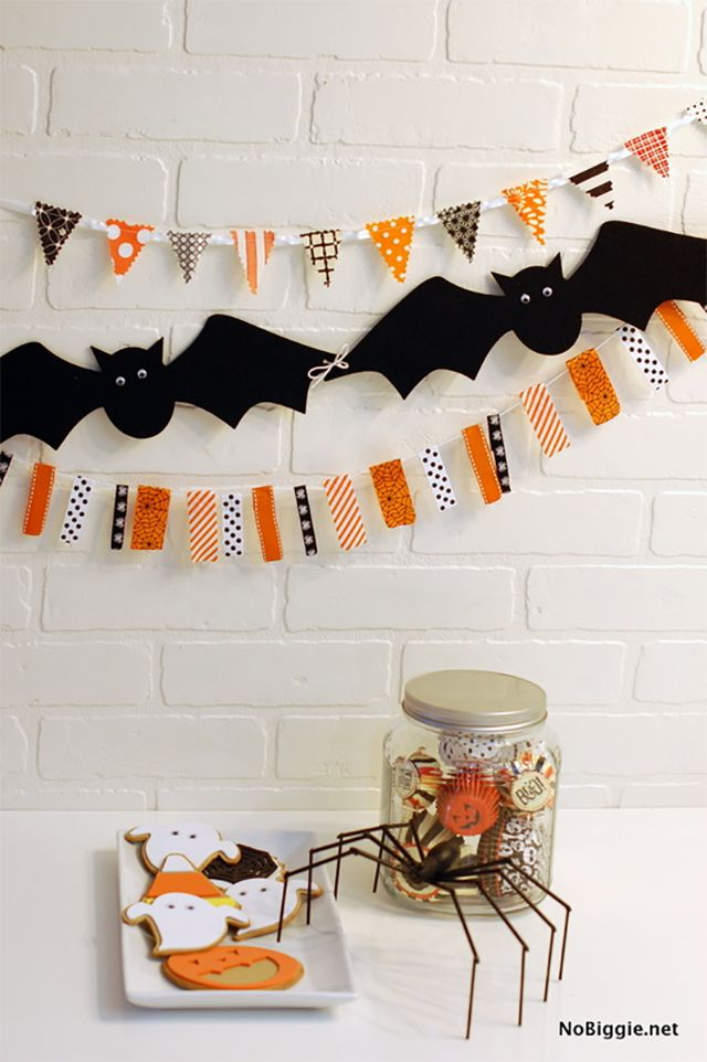 Halloween garlands and decorations