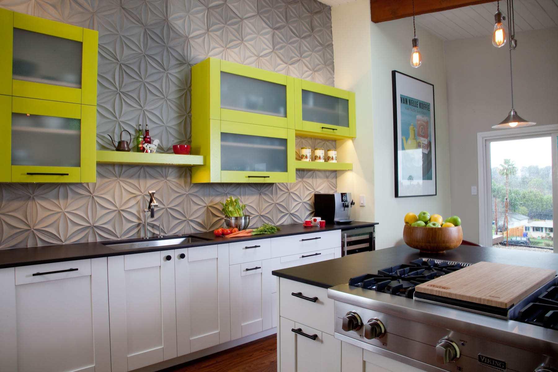 Cocina con gabinetes de color verde lima