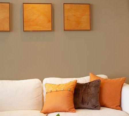 Sala de estar beige neutro