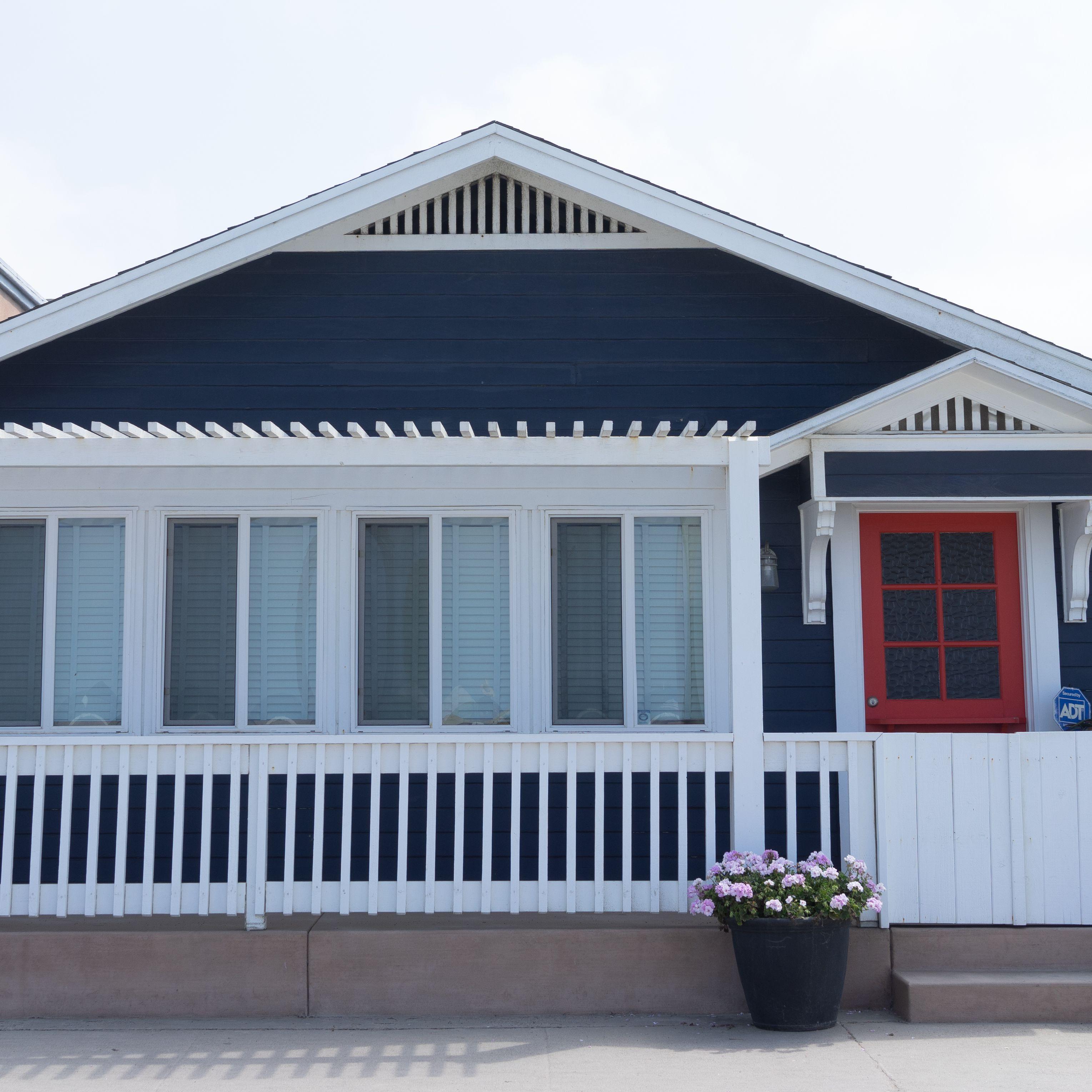 20 Inspiring Exterior House Paint Color Scheme Ideas