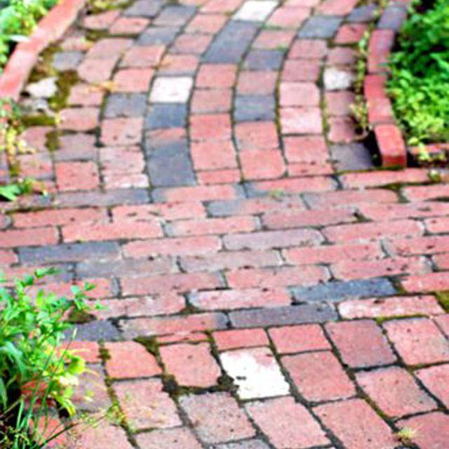Running bond brick pattern