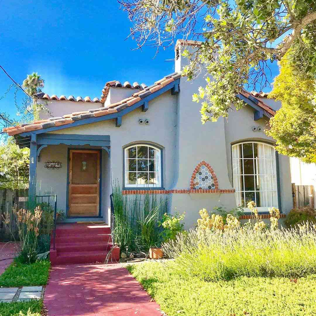 Mission style craftsman home