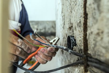 How To Strip Wire   Learn How To Strip Electrical Wire