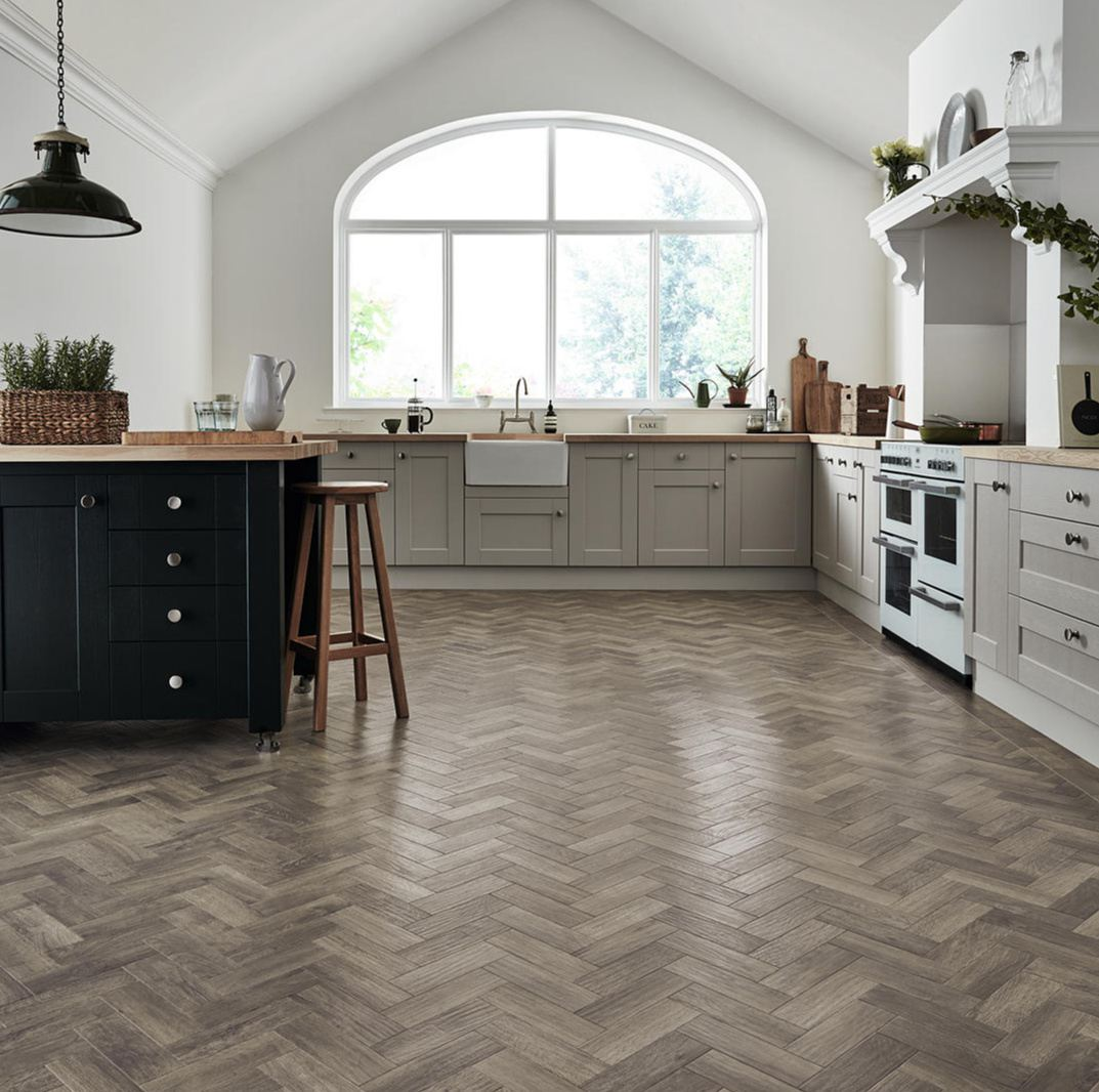 10 Gorgeous Kitchens With Wood Floors