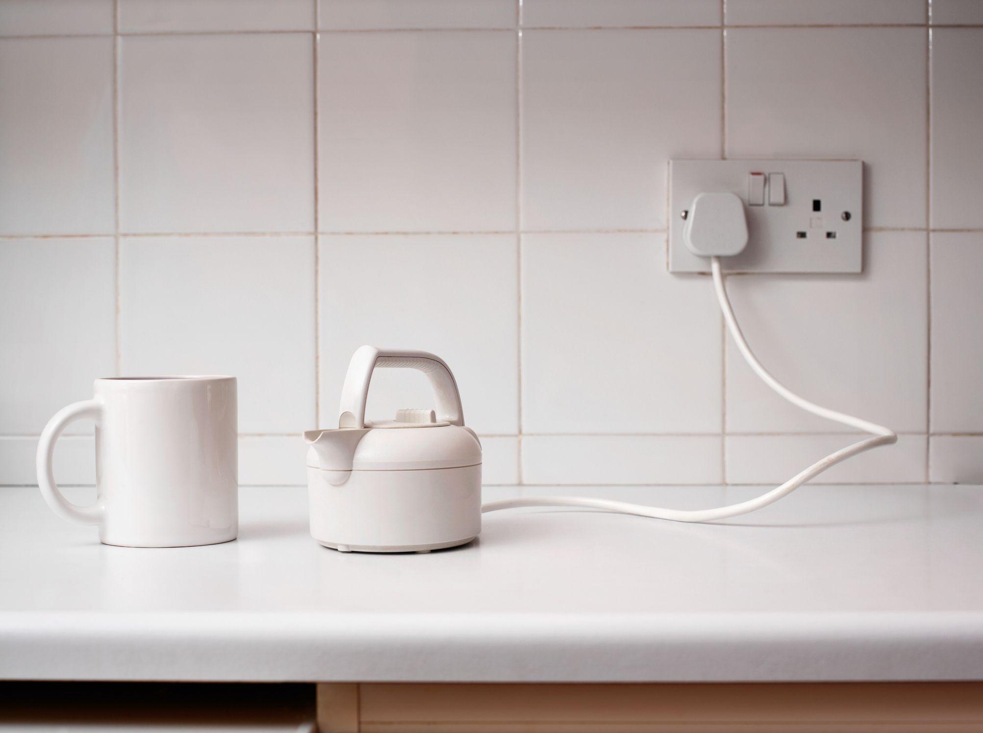 Kitchen Backsplash Around Outlet