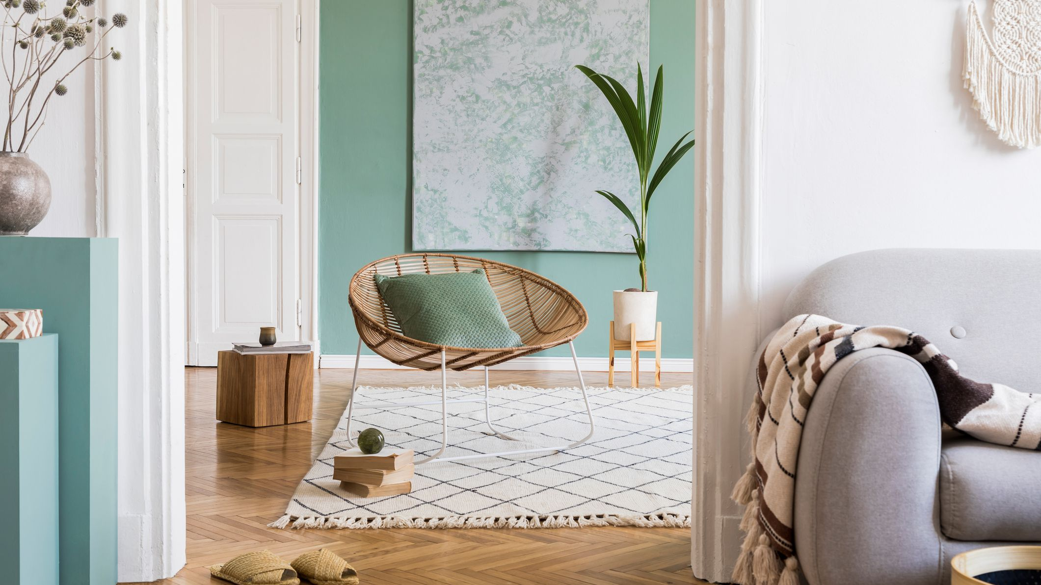 How How To Choose House Paint Colors For A Small Home