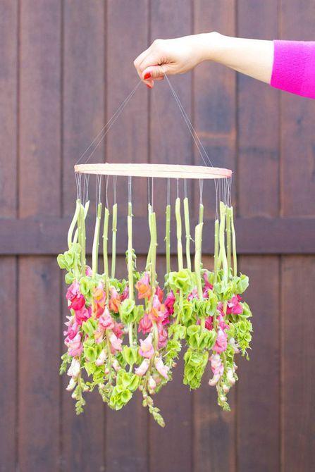 Candelabro de flores colgantes de bricolaje