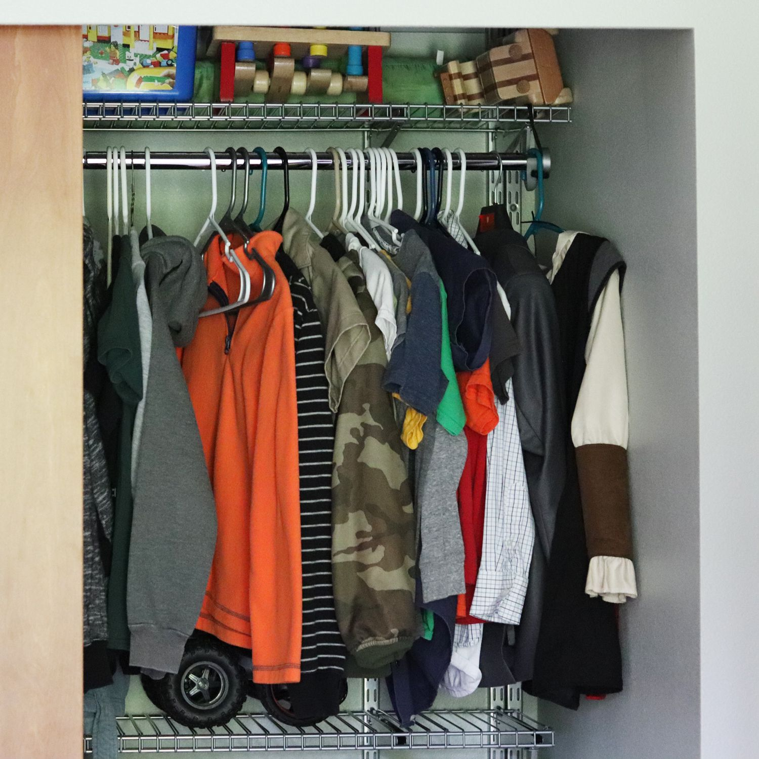 Rubbermaid Configurations Deluxe Custom Closet Kit Review