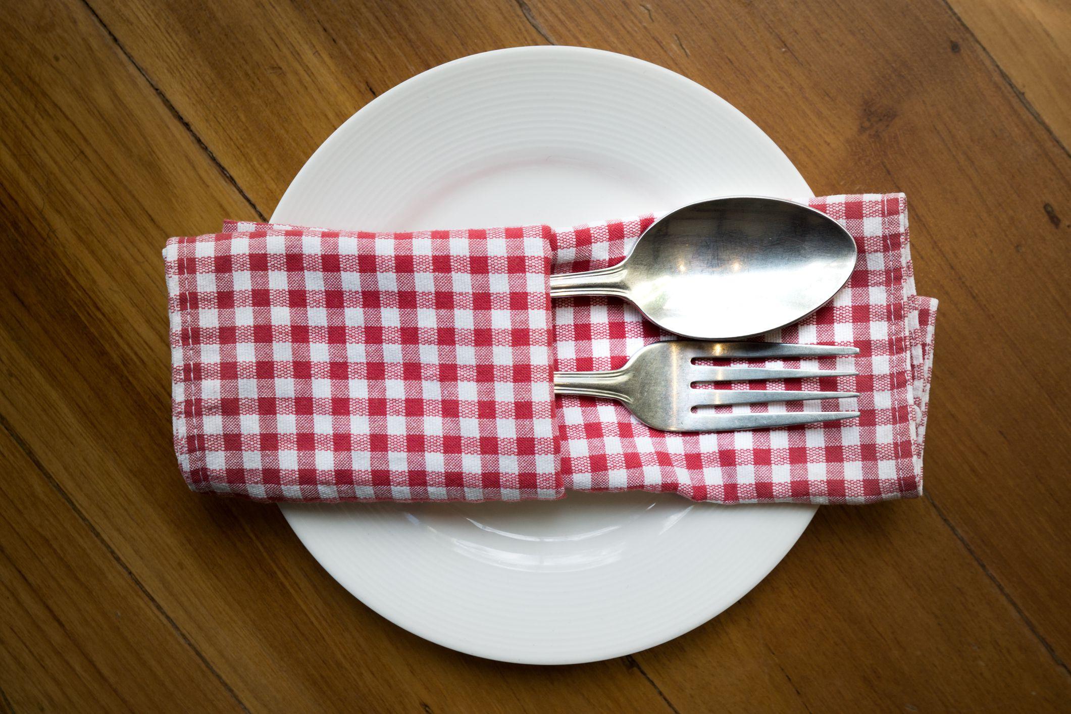 How To Pocket Fold A Dinner Napkin