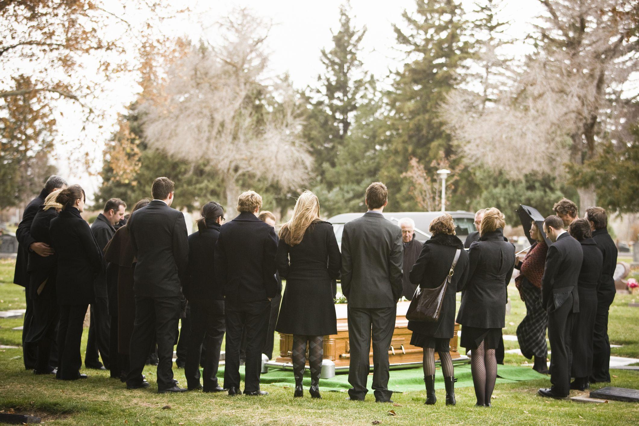 Funeral Attendance Etiquette Tips