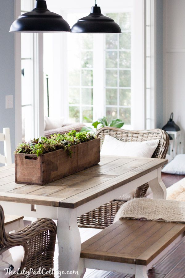 Using vintage wooden crates for centerpieces