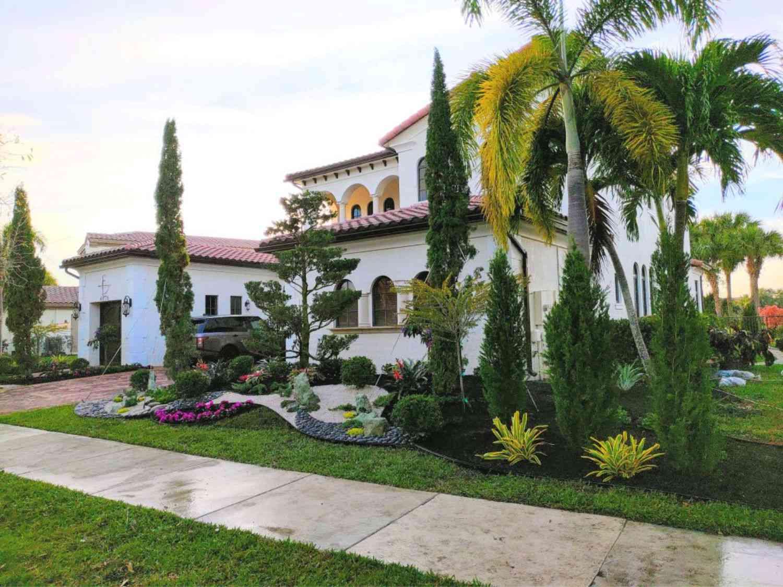 Diseño de la casa mediterránea Influencia de la Misión del Condado de Orange